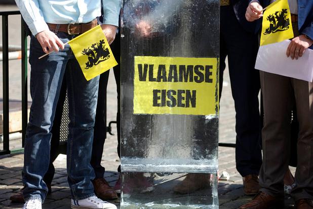 """""""Depuis le 26 mai, le Vlaams Belang menace tout le monde, tout le temps et partout"""""""