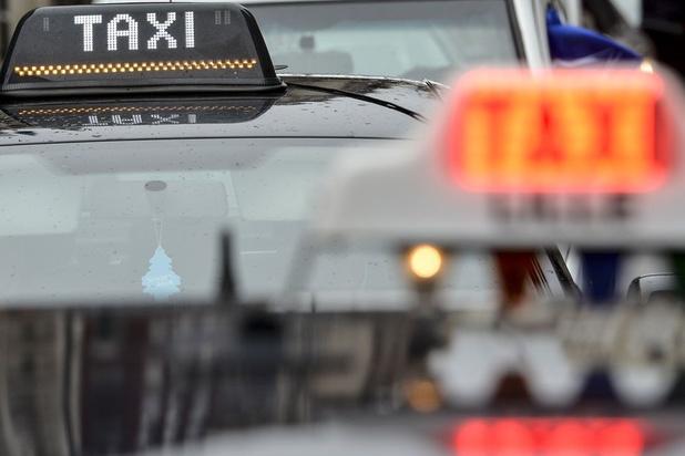 Apple supprime l'appli de taxi iranienne déguisée en une appli radio