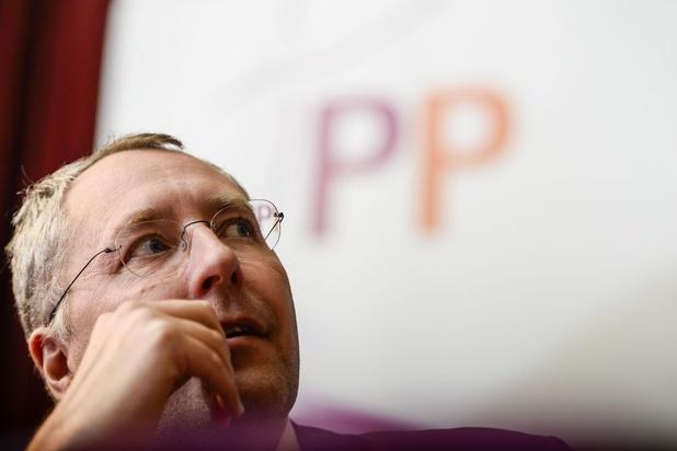 Mischaël Modrikamen quitte le Parti populaire