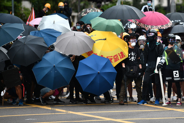 Peking veroordeelt 'vreselijke incidenten' in Hongkong