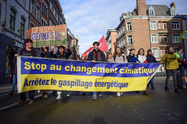 Grève pour le climat: Près de 3.000 personnes ont manifesté dans 7 villes du pays