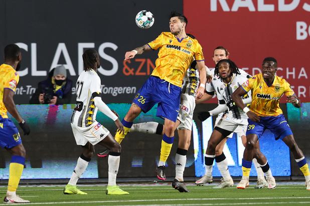 Jupiler Pro League: Charleroi s'impose à Saint-Trond et renoue avec la victoire