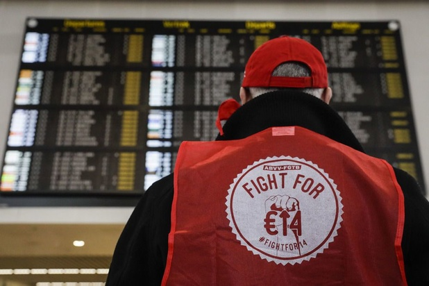 Vakbonden en werkgevers willen minimumloon laten stijgen