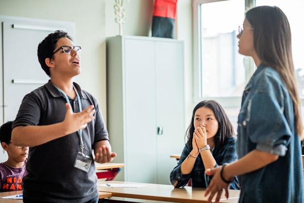 'Waarom leren debatteren jongeren op weg helpt naar een betere toekomst'