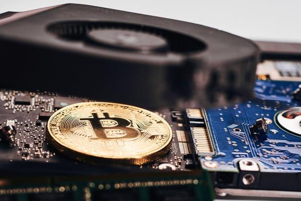 Le bitcoin a passé brièvement le cap des 11.000 dollars