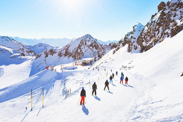 Interdiction générale en Europe d'ouvrir les stations de ski à Noël: les pour et les contre