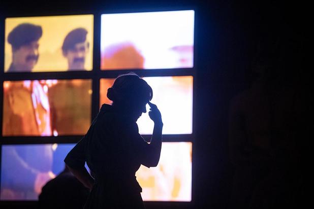 'April' van Toneelhuis en De Koe biedt een heldere kijk op het gesprek dat leidde tot de Eerste Golfoorlog