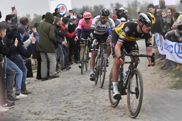 Gilbert wint Parijs-Roubaix, Lampaert derde