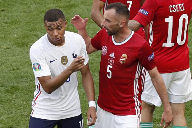 Topfavoriet Frankrijk raakt niet voorbij Hongarije op EK voetbal