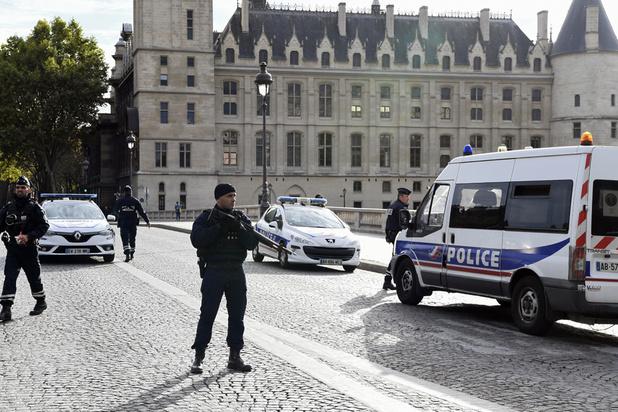 Cinq interpellations dans l'entourage du tueur dans le Val-d'Oise