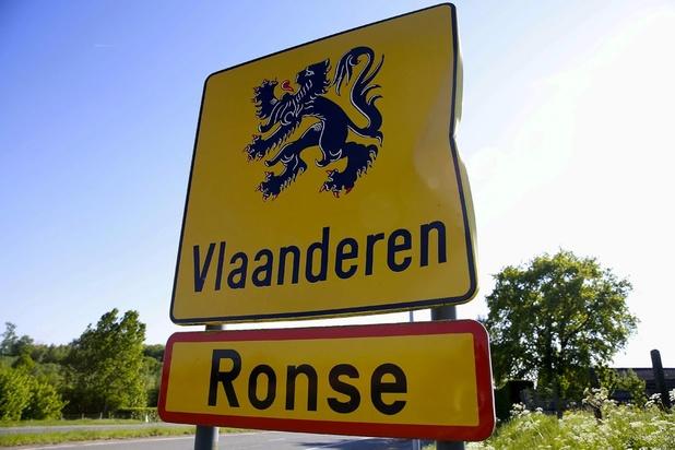 Vlaamse Volksbeweging start manifest: 'Schaf taalfaciliteiten in Ronse af'
