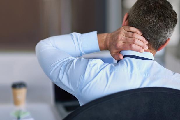 Près de la moitié des employés de bureau souffrent de problèmes physiques