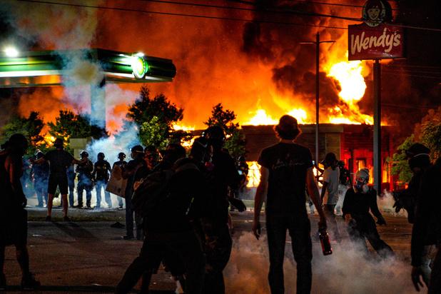 Manifestations et démission de la cheffe de la police d'Atlanta après la mort d'un suspect noir