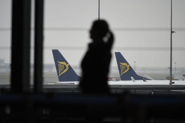 Ryanair zakt diep in de rode cijfers