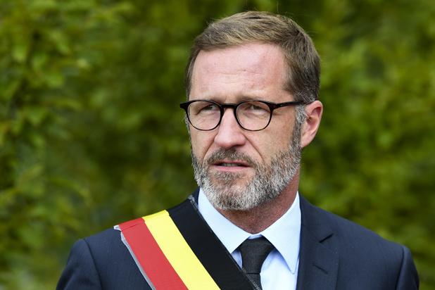 Paul Magnette se met en retrait du mayorat de Charleroi