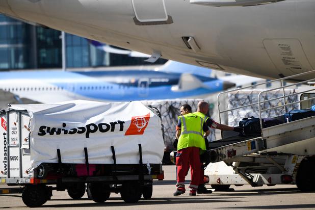 Vakbonden dreigen vanaf maandagavond hart van luchthaven te treffen