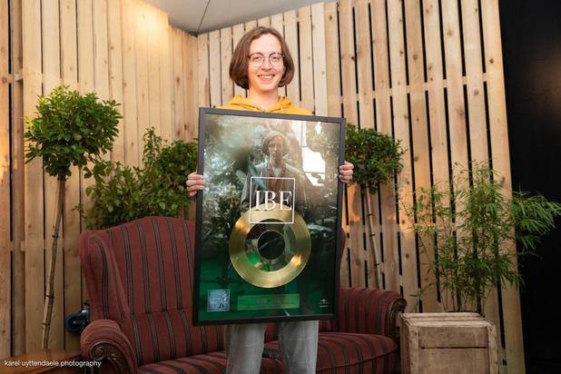 IBE krijgt gouden award op Crammerock voor single 'Table of Fools'