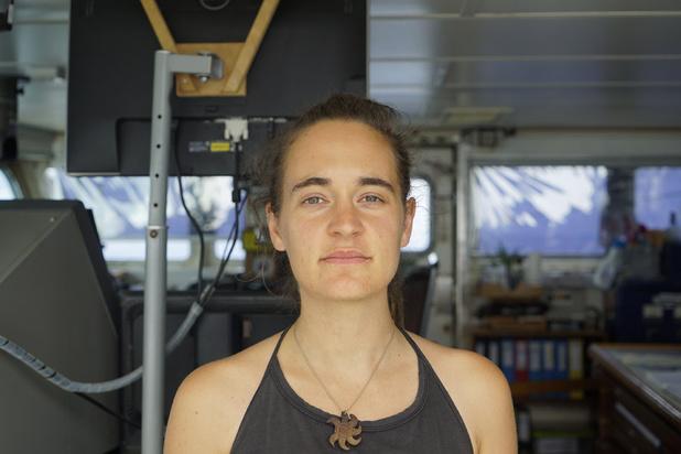 """Carola Rackete, """"l'emmerdeuse"""" qui veut sauver les migrants"""