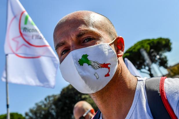 L'Italie veut renforcer les mesures sanitaires pour éviter un nouveau confinement