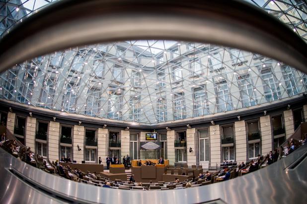 Loonsverlaging Vlaamse parlementsleden komt er, maar nog niet meteen