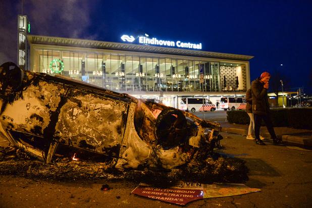 Émeutes aux Pays-Bas contre le couvre-feu : l'extrême droite mise en cause