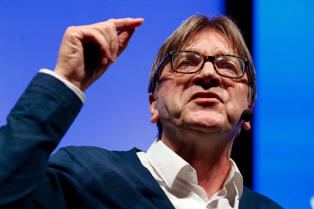 Kritiek op aanstelling Verhofstadt: 'Hij staat symbool voor een oude manier van werken'