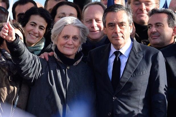 Procès en vue pour le couple Fillon, emporté par l'affaire des emplois fictifs