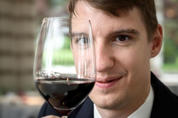 """Le meilleur sommelier du monde trouvait auparavant que le vin """"empestait"""""""