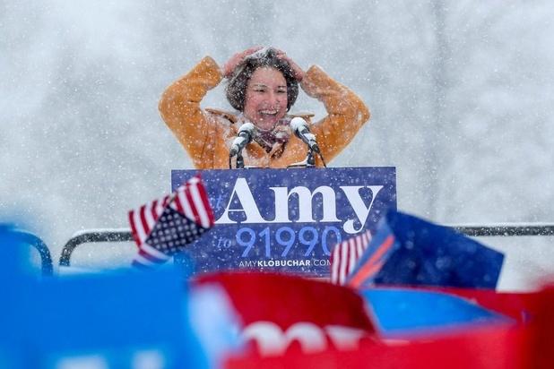 Voorverkiezingen Democraten: Amy Klobuchar gooit handdoek in de ring