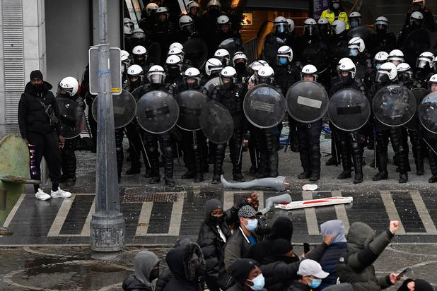 Violences à Liège: une dizaine d'interpellations, 36 policiers blessés au total