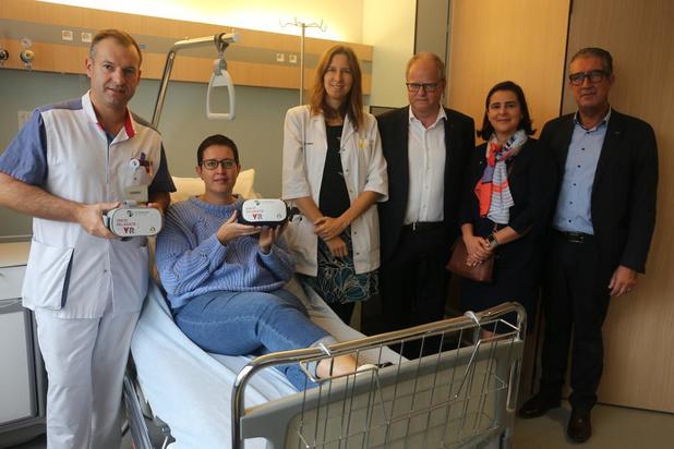Kankerpatiënten in AZ Damiaan kunnen voortaan VR-bril gebruiken