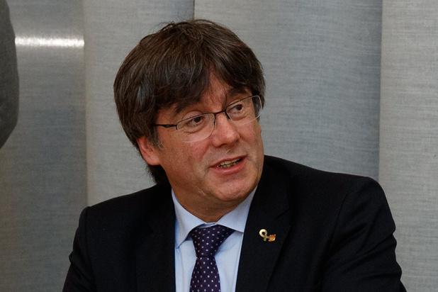 Brussels gerecht schort Europese aanhoudingsbevelen tegen Puigdemont en Comin op