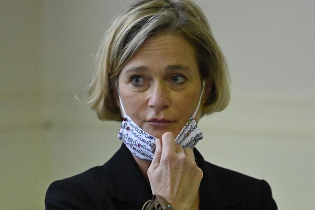 """La nouvelle princesse Delphine de Belgique heureuse de pouvoir """"enfin exister"""""""