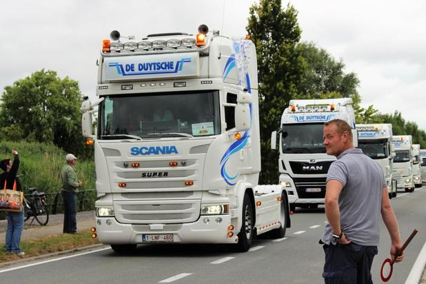156 Trucks komen aan in Oudenburg voor Truck Run