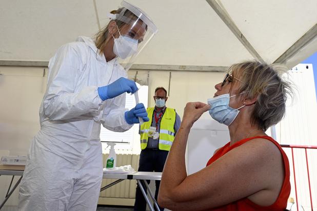 Coronavirus en Belgique: le nombre quotidien de nouvelles contaminations très légèrement à la hausse