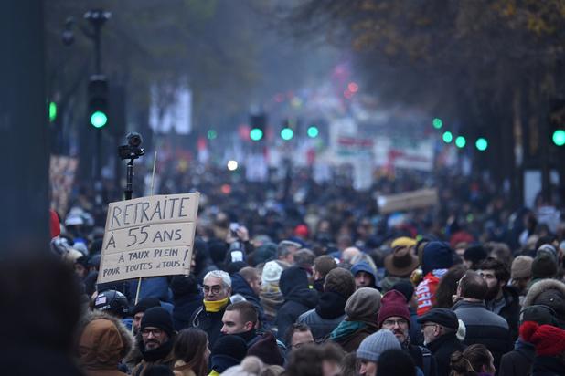 Franse vakbonden roepen op tot nieuw protest op dinsdag