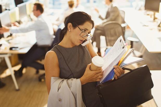 Il y a une bonne couche de poussière sur le concept du bureau flexible...