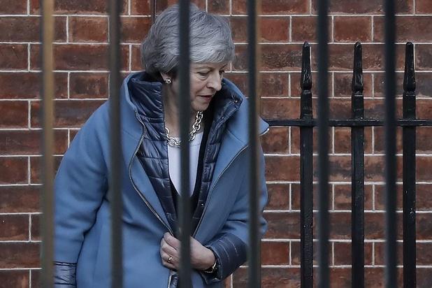 Theresa May, pressée de trouver un compromis sur le Brexit