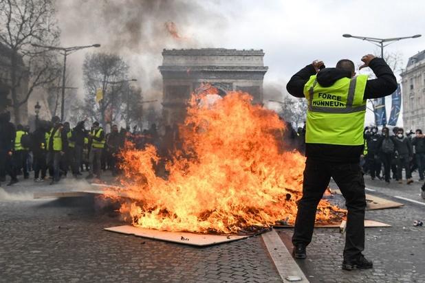 """Les """"gilets jaunes"""" font stagner la fréquentation à Paris au premier semestre"""