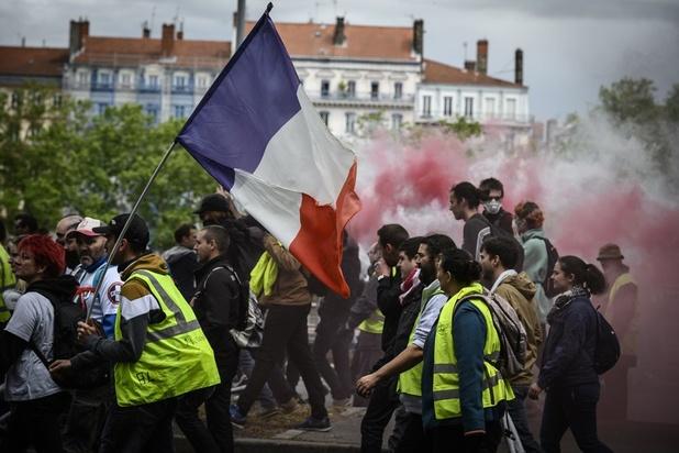 """Amnesty dénonce l'""""acharnement judiciaire"""" contre les manifestants en France"""