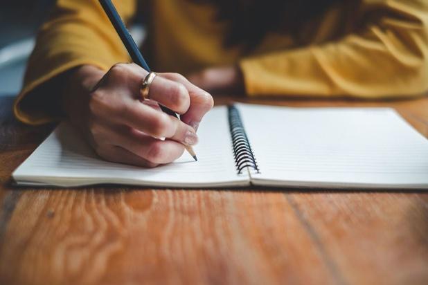 Écrire pour se reconstruire: la thérapie par les mots de Boris Cyrulnik