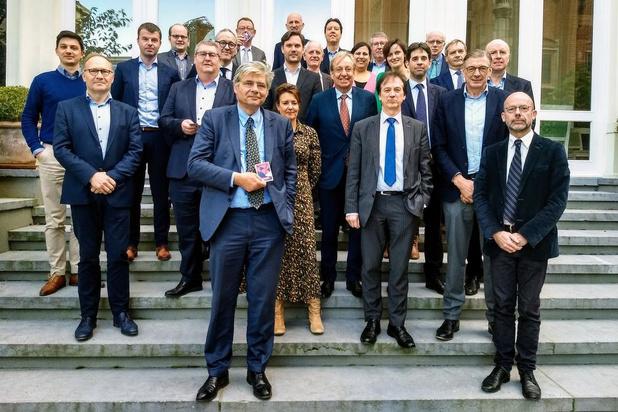 Kaartspel moet buitenlandse investeerders naar West-Vlaanderen lokken