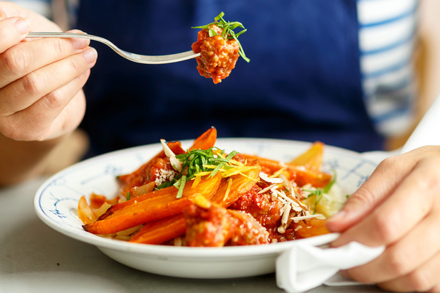 Les Filles chez vous: une cuisine gourmande, saine livrée à domicile