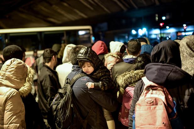 Des centaines de migrants évacués au cours d'une vaste opération dans le nord-est de Paris