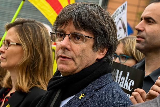 """Le gouvernement espagnol """"ne comprendrait pas"""" que la Belgique ne livre pas Puigdemont"""