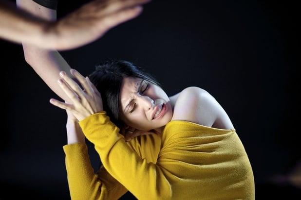 """""""28% des hommes et femmes trouvent normal qu'un homme batte sa femme"""" et autres préjugés partagés"""