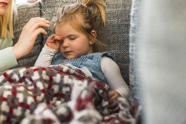 Wat te doen bij koortsstuipen bij een kind?