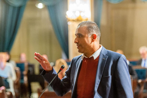 Derde Antwerpse SP.A-schepen Karim Bachar legt eed af