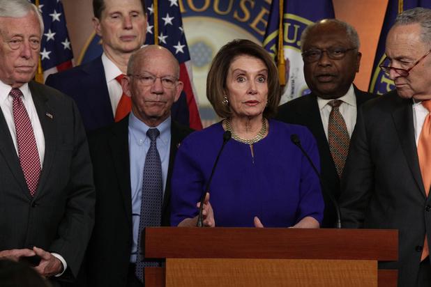 Procédure de destitution de Trump: Les démocrates avancent tambour battant