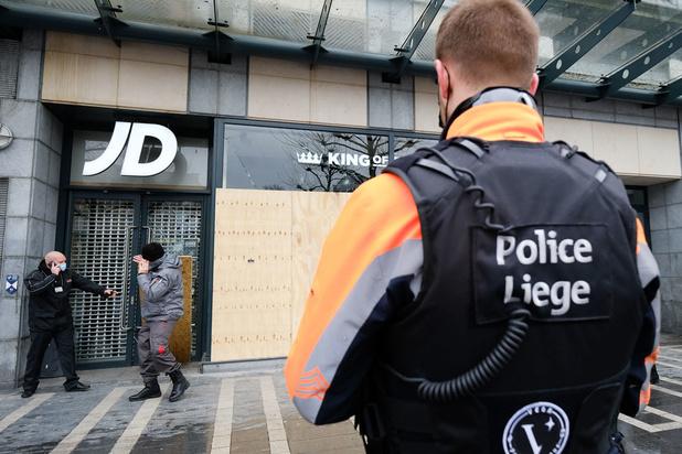 De balans van de rellen in Luik: 36 agenten gewond, tiental personen opgepakt